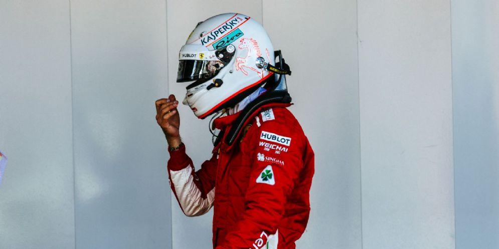 Sebastian Vettel nel parco chiuso dopo il GP di Spagna di F1 a Barcellona