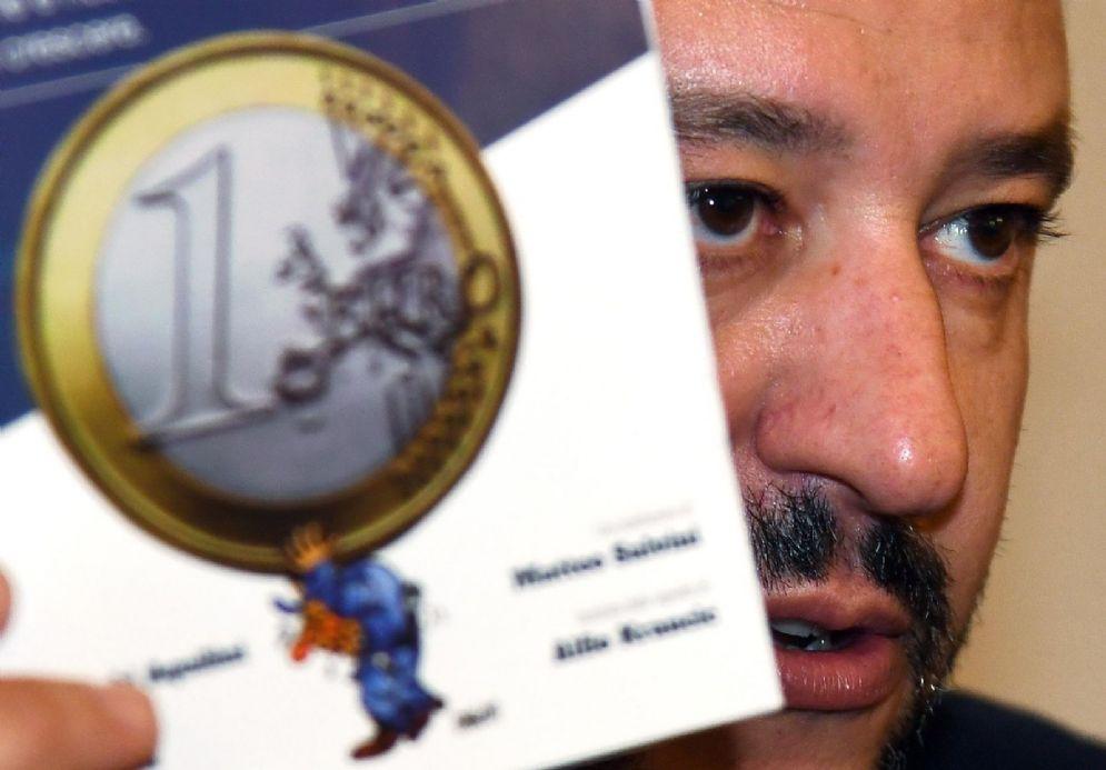 Matteo Salvini in un'iniziativa anti-Euro