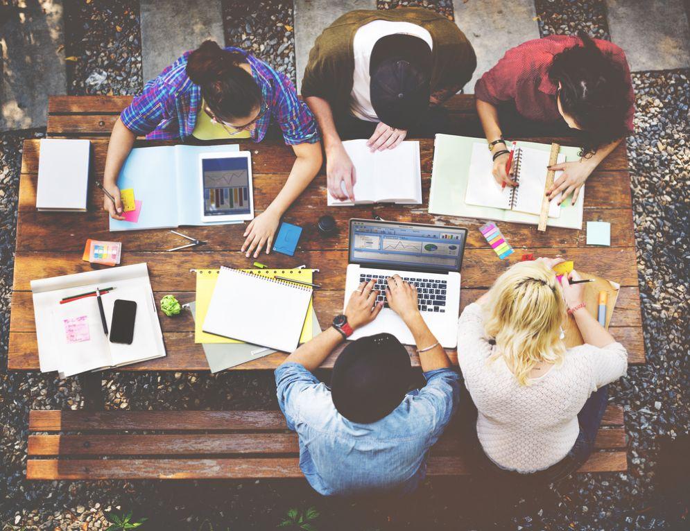 Direzioni sempre più digitali, poche le strategie per le competenze