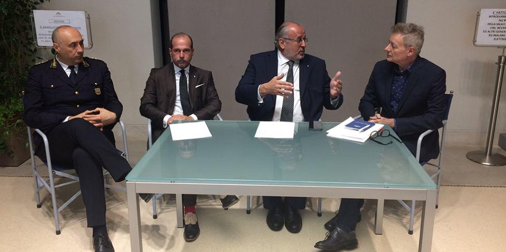 Il sindaco di Gorizia, Rodolfo Ziberna, l'assessore comunale alla Cultura, Fabrizio Oreti, e il dirigente del settore Cultura, Marco Muzzatti