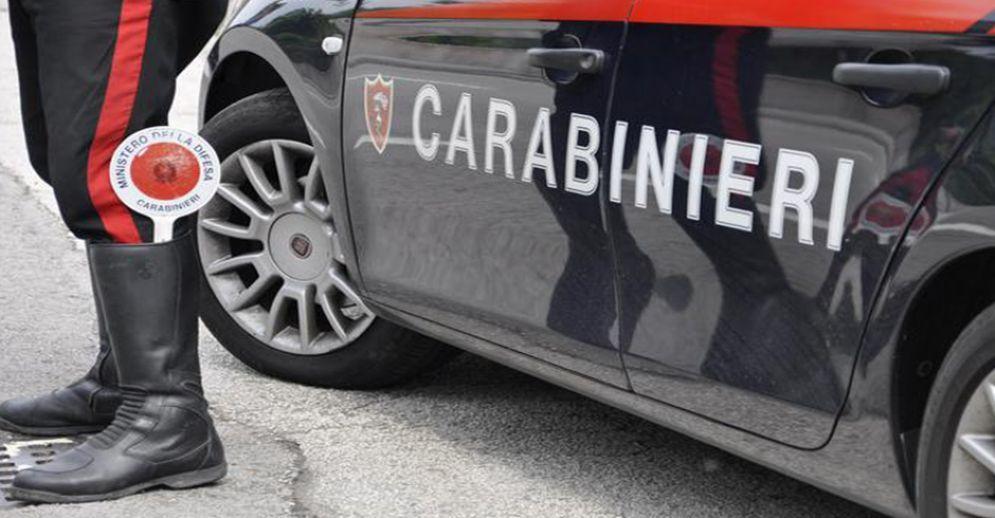 Gavettoni sulle auto, indagano i carabinieri