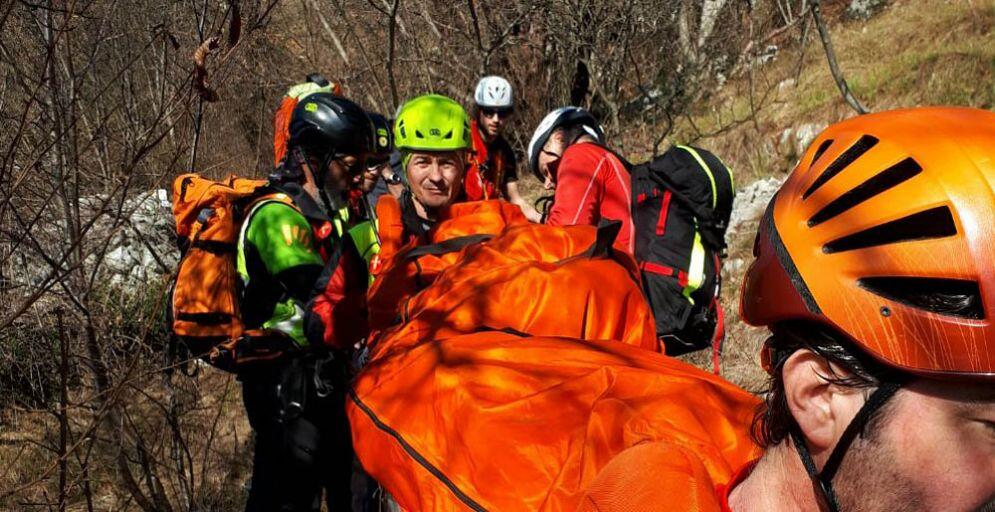 Ha un malore sul sentiero della Salvia: donna salvata dal Soccorso Alpino