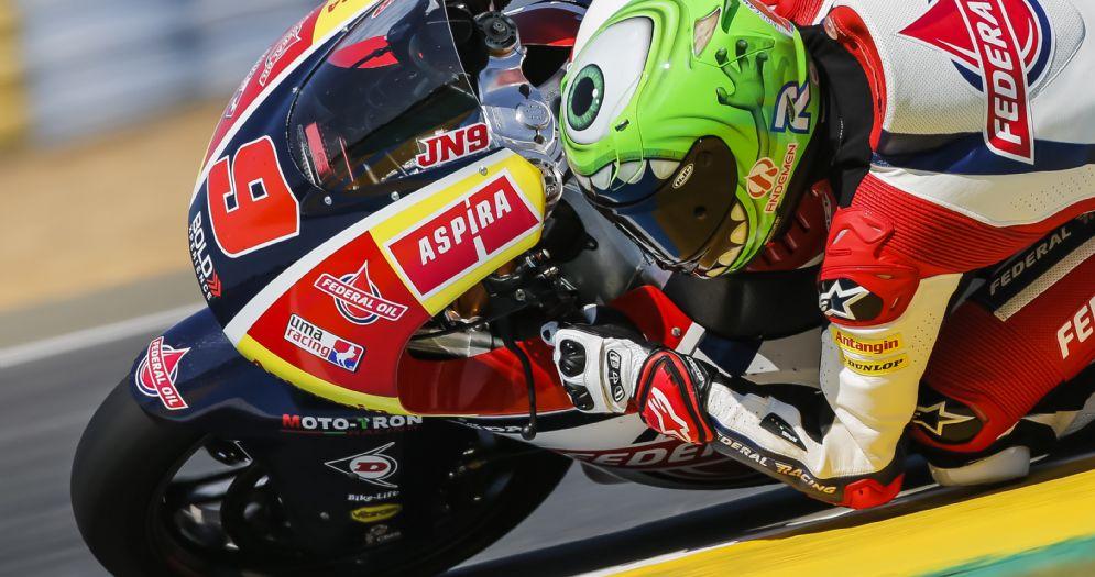Jorge Navarro in sella alla moto del team Gresini Moto2