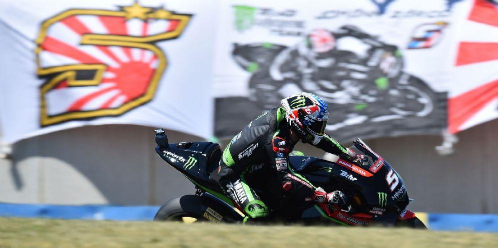 Johann Zarco in sella alla Yamaha satellite del team Tech3 nelle qualifiche del GP di Francia di MotoGP a Le Mans