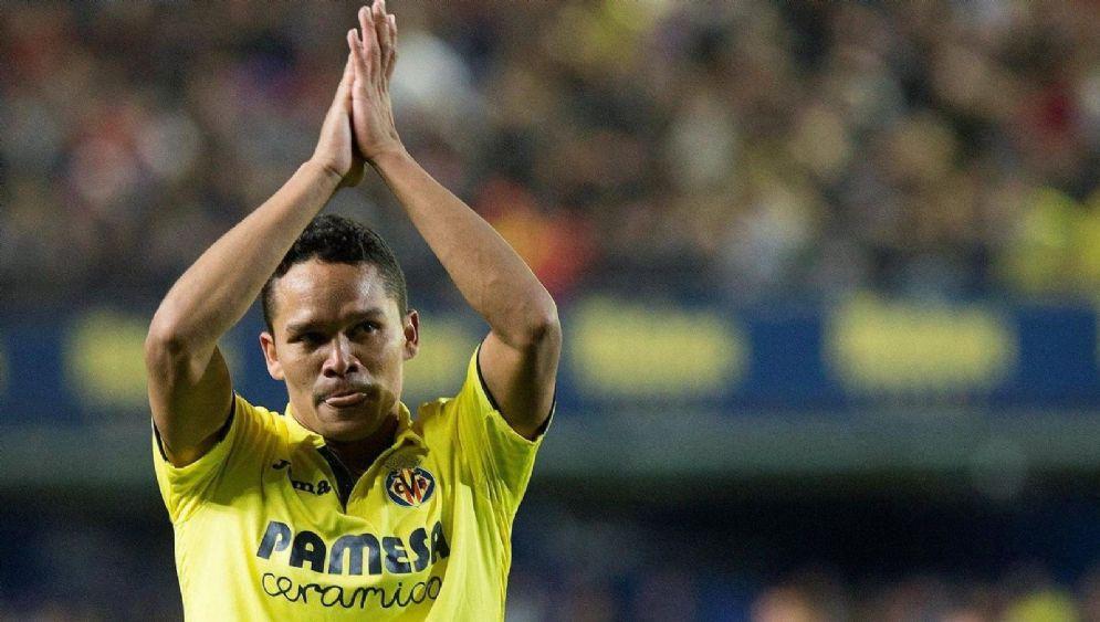 L'attaccante colombiano Carlos Bacca