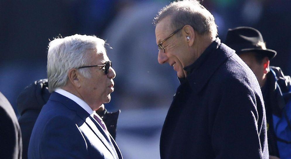 Stehen Ross (a destra nella foto) proprietario dei Miami Dolphins