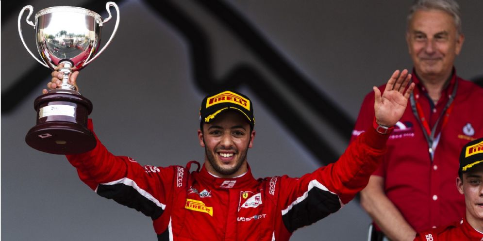 Antonio Fuoco sul gradino più alto del podio della Formula 2 a Montecarlo