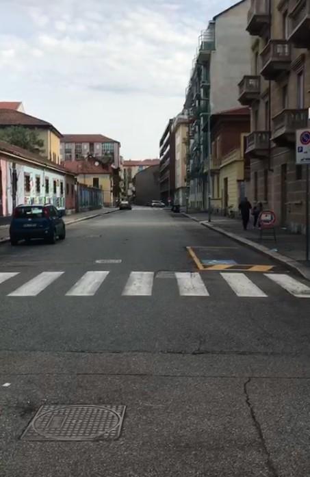 Vie totalmente deserte nei pressi del Lingotto