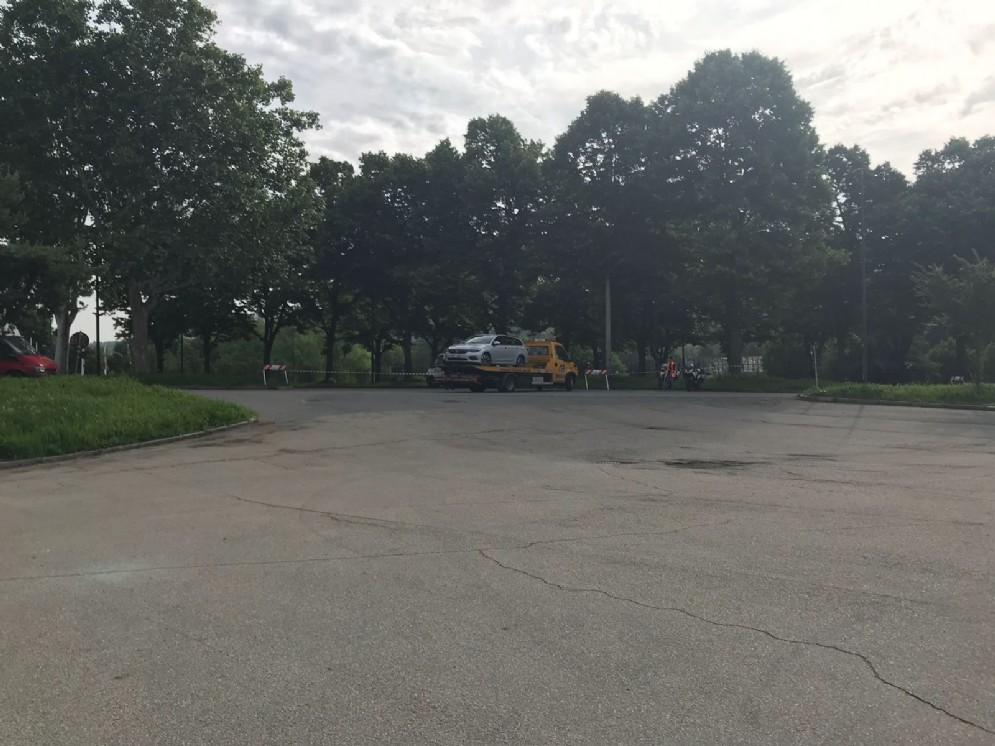 Le auto rimosse per non essere uscite dall'area gialla