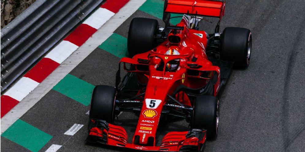 La Ferrari di Sebastian Vettel in pista durante il GP di Montecarlo di F1