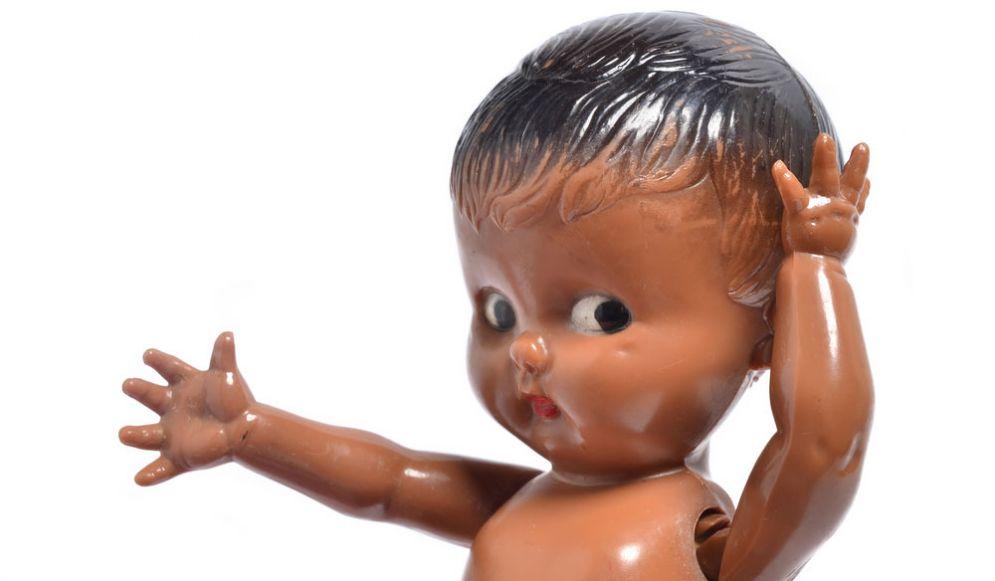 Bambola di plastica - immagine rappresentativa
