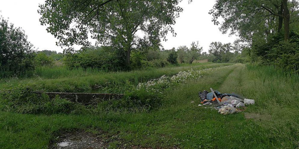 Monfalcone, ripulita la zona dai rifiuti e pizzicato il colpevole grazie all'EcoSportello