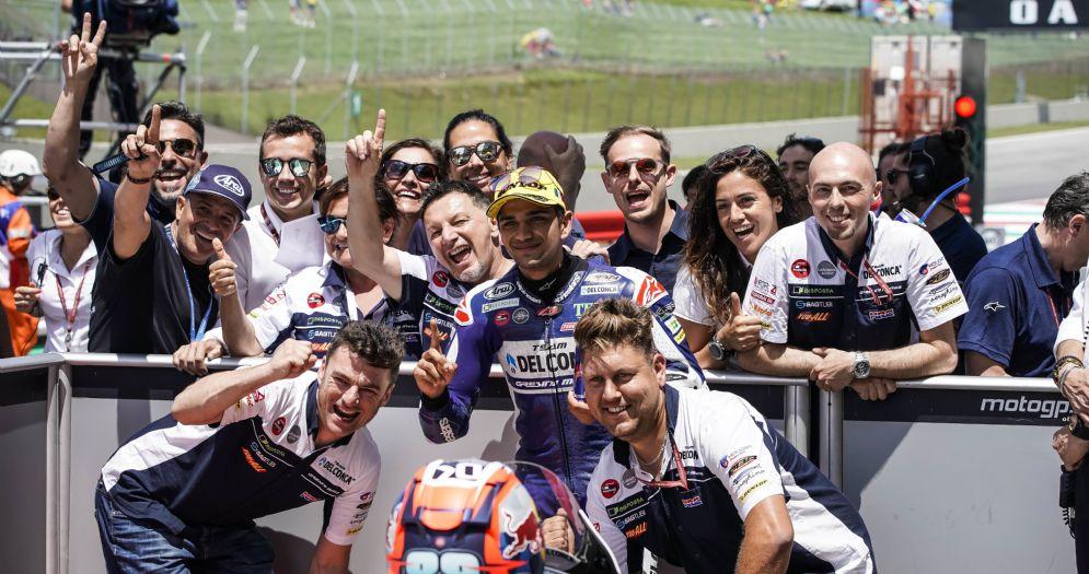 Jorge Martin festeggia la pole position nel GP del Mugello di Moto3