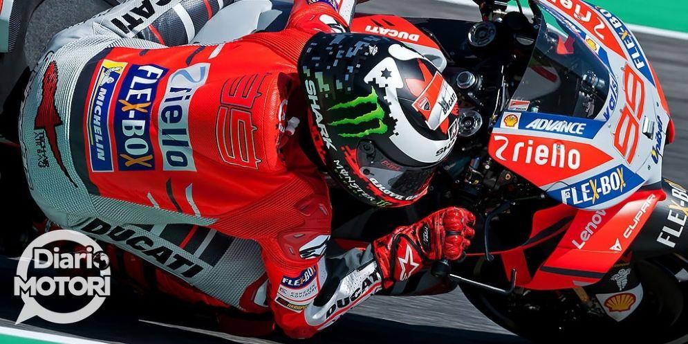 Jorge Lorenzo in sella alla sua Ducati nelle qualifiche del GP del Mugello di MotoGP