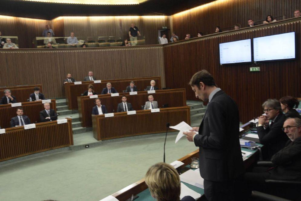 Governatore Massimiliano Fedriga al Consiglio regionale