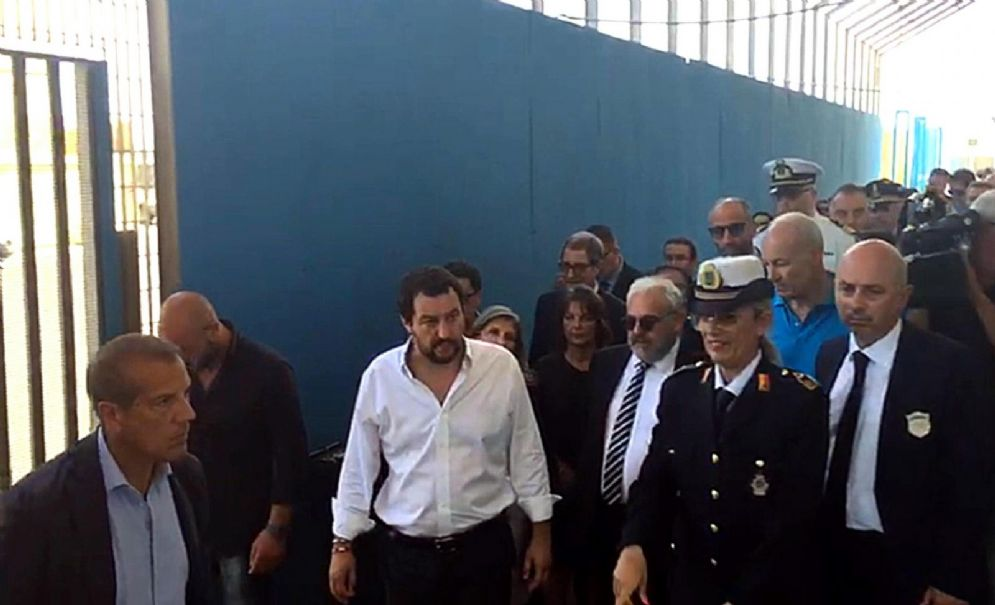 Matteo Salvini visita all'hotspot di Pozzallo (Ragusa)