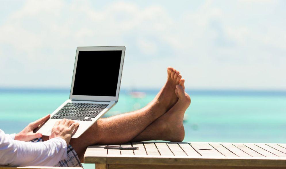 Cinque app da portare in viaggio per organizzare la vacanza con un dito
