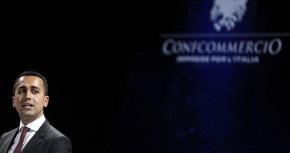 Luigi Di Maio, ministro del Lavoro e vice premier, durante l'assemblea annuale di Confcommercio