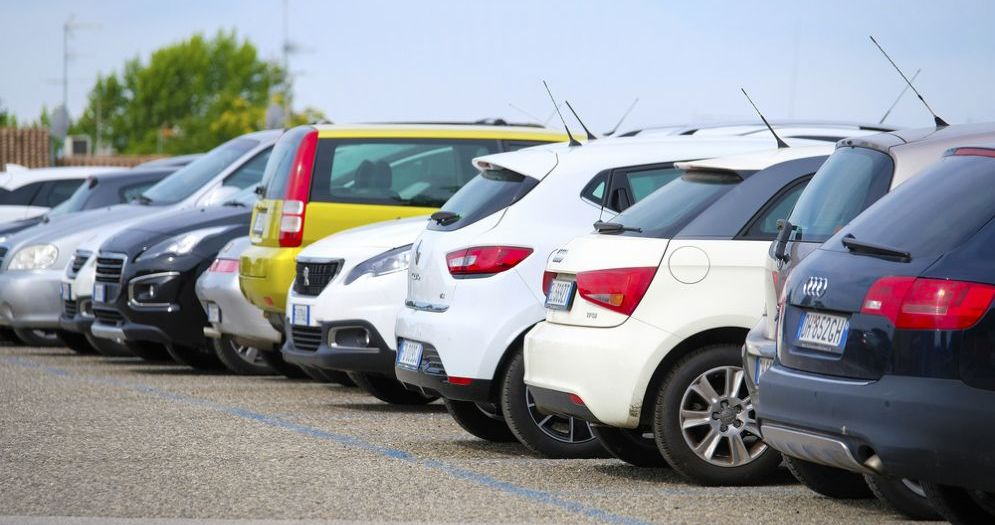 Biella, il Comune ritraccia i parcheggi a pagamento