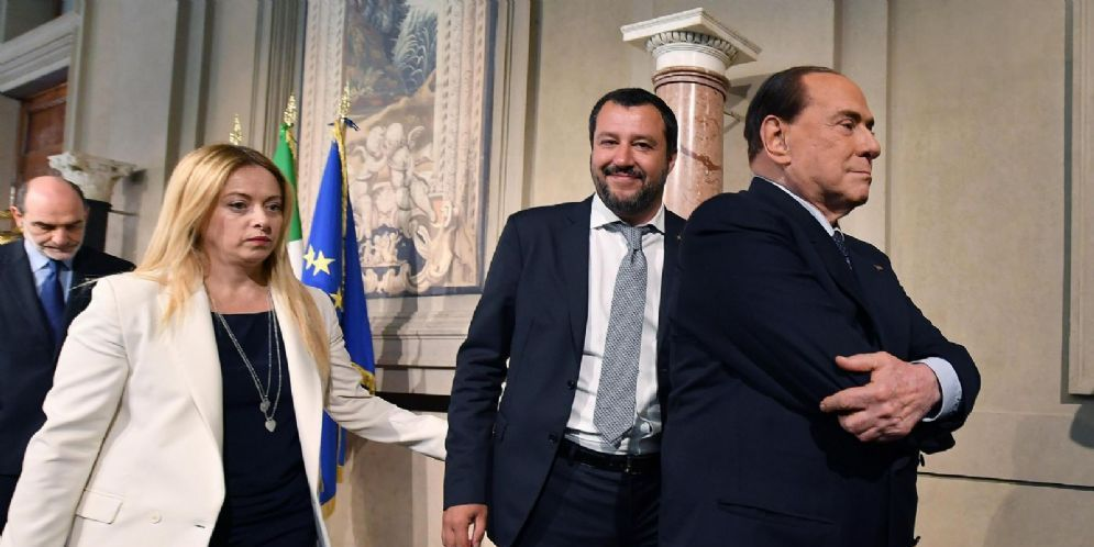 Silvio Berlusconi con Matteo Salvini e Giorgia Meloni