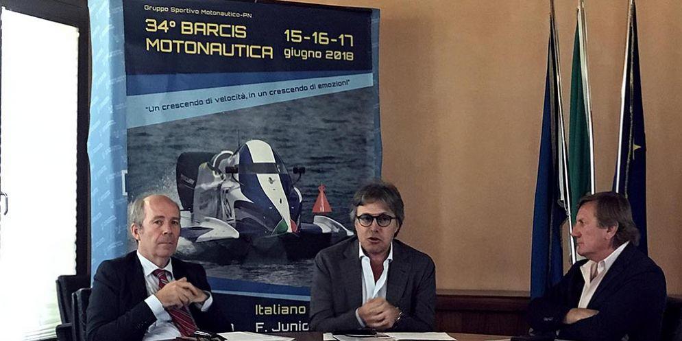 Il delegato regionale della federazione italiana Motonautica Maurizio Salvador, l'assessore regionale alle attività produttive Sergio Emidio Bini, il presidente regionale del Coni Giorgio Brandolin