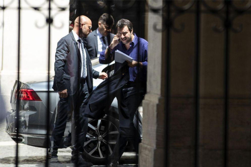 Il Ministro dell'Interno Matteo Salvini esce da Palazzo Chigi