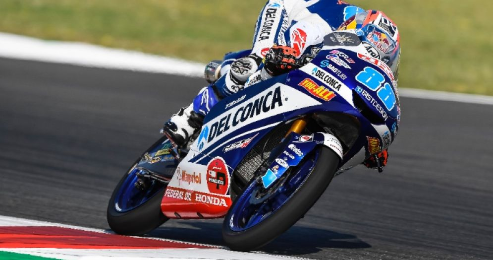 Jorge Martin in sella alla Honda del team Gresini Moto3 nelle qualifiche del GP di Catalogna a Barcellona