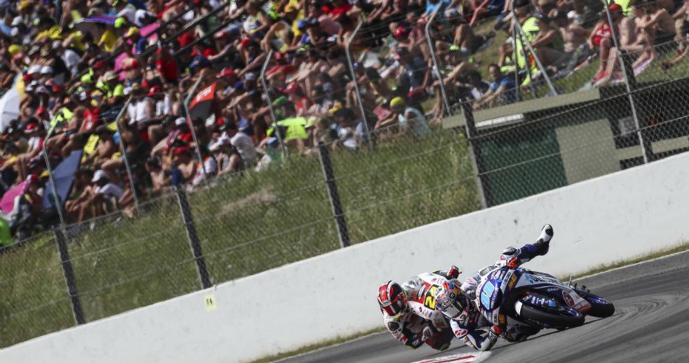 La scivolata di Jorge Martin nel GP di Catalogna di Moto3 a Barcellona