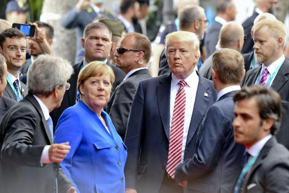 Angela Merkel e Donald Trump durante il G7 a Taormina