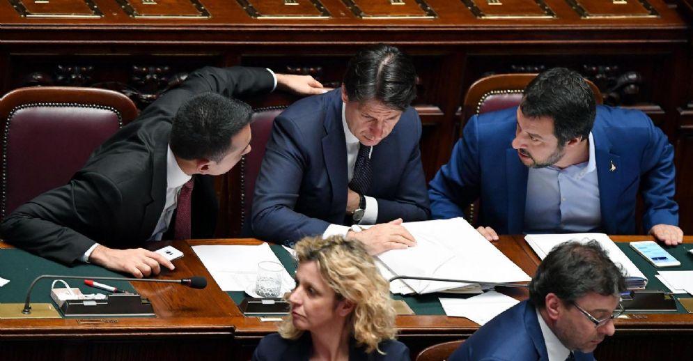 Giuseppe Conte con Matteo Salvini e Luigi Di Maio