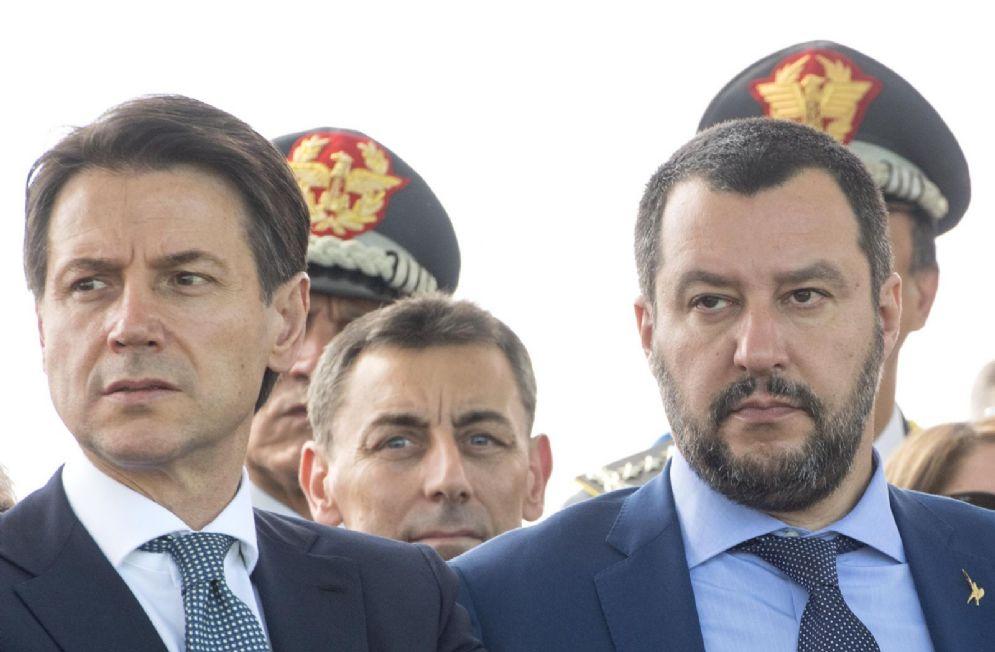 Il premier Conte e il ministro Salvini al 244° anniversario della Guardia di Finanza