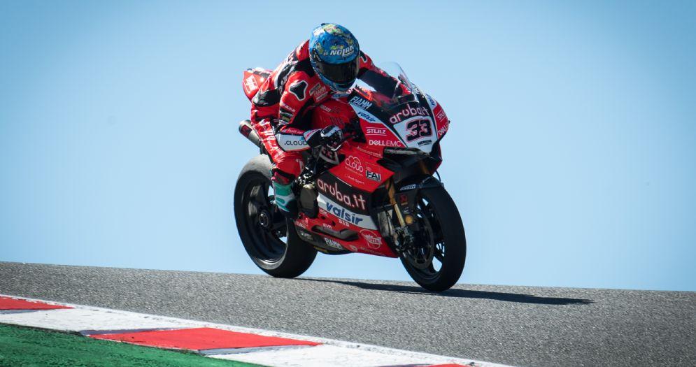 Marco Melandri in sella alla Ducati nelle prove libere della Superbike a Laguna Seca
