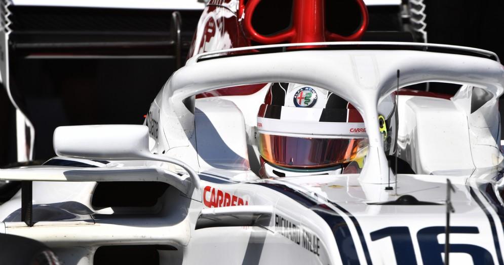 Charles Leclerc nella sua Alfa Romeo Sauber durante le prove del GP di Francia di F1 al Paul Ricard