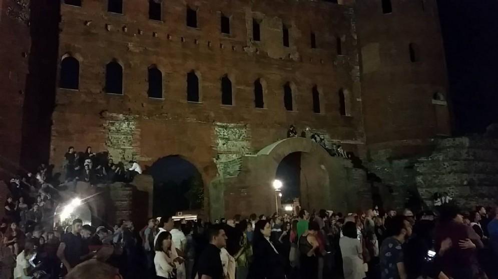 Le Porte Palatine prese d'assalto dai torinesi: nessun controllo in questa zona
