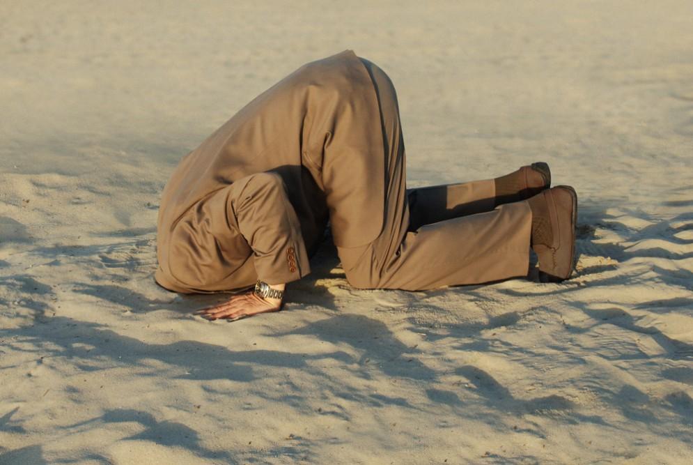 Ecco perchè a volte nascondiamo la testa sotto la sabbia