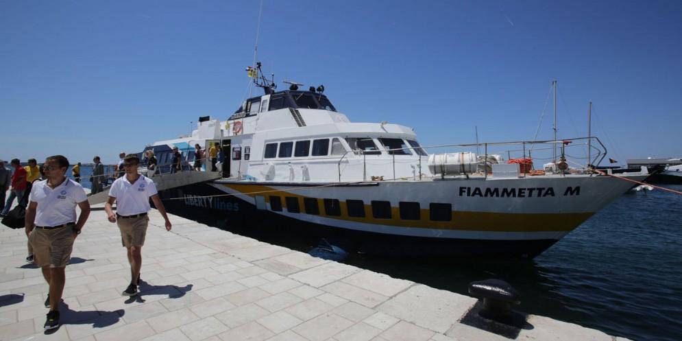 A bordo di aliscafo per la tratta da Trieste all'Istria, e oltre