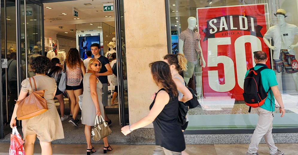 Torino pronta per i saldi estivi 2018: prezzi scontati per 8 settimane