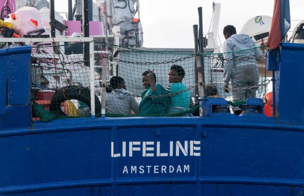 Migranti a bordo della Lifeline