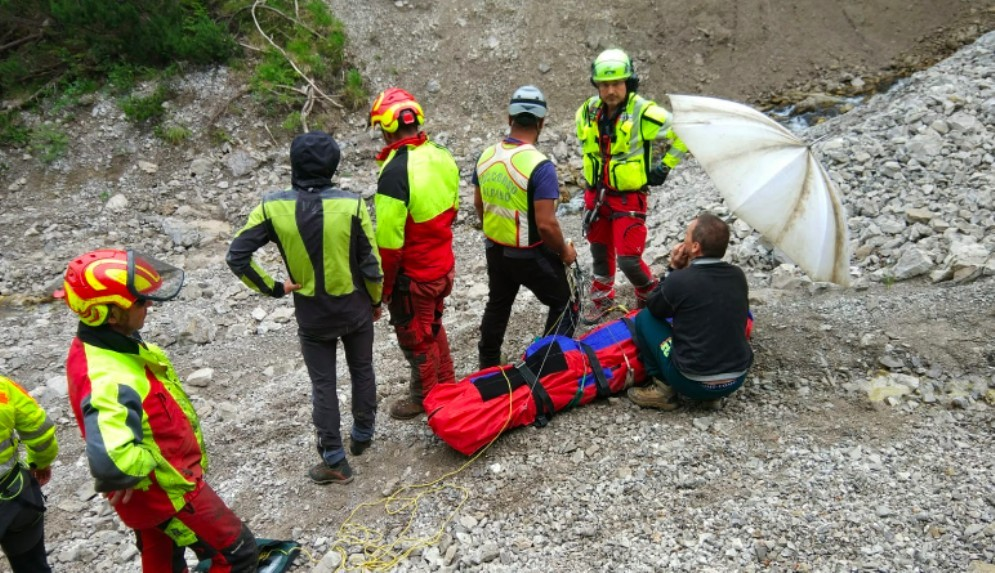 Forni di Sopra, bimba cade per 8 metri e si salva