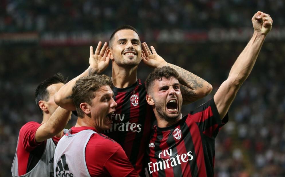 La gioia dei rossoneri: un'immagine che si spera di rivedere presto anche in Europa