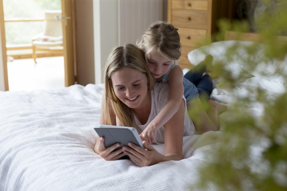 Vacanze: genitori piemontesi stressati per colpa dei social media