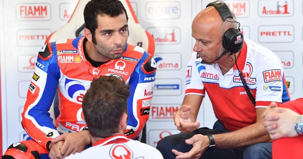 Danilo Petrucci nei box del team Pramac Ducati durante il GP d'Olanda di MotoGP ad Assen