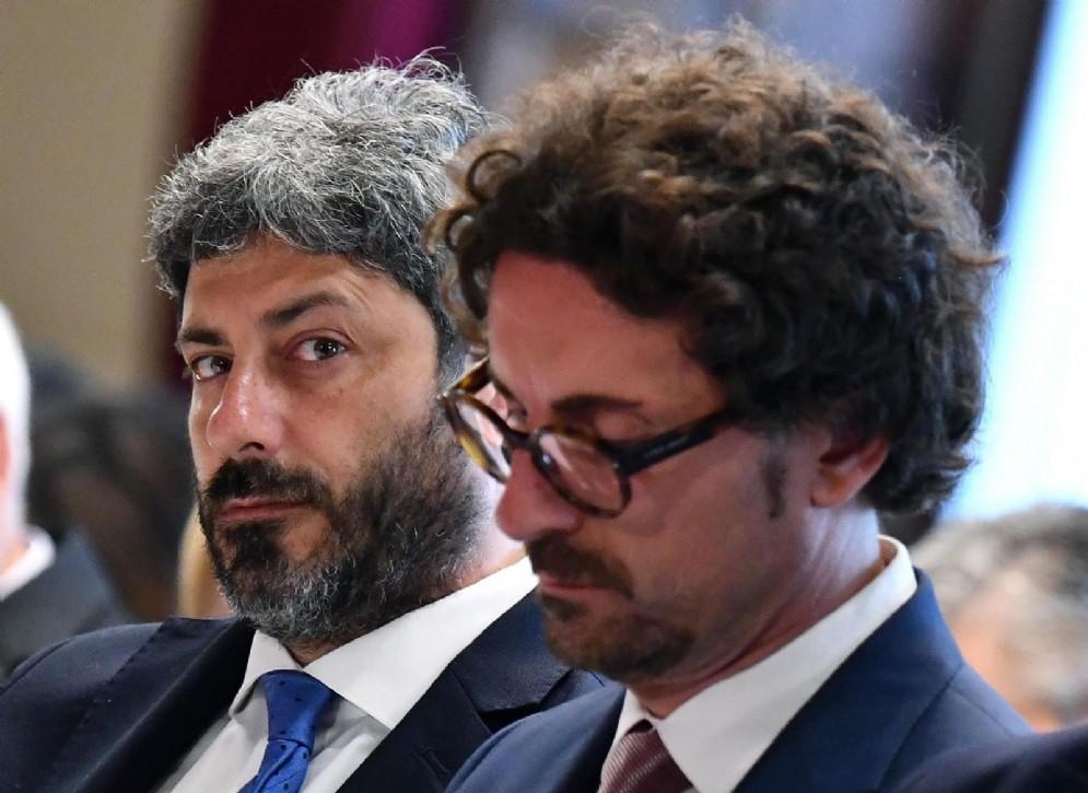 Il presidente della Camera, Roberto Fico, e il ministro delle infrastrutture e trasporti Danilo Toninelli