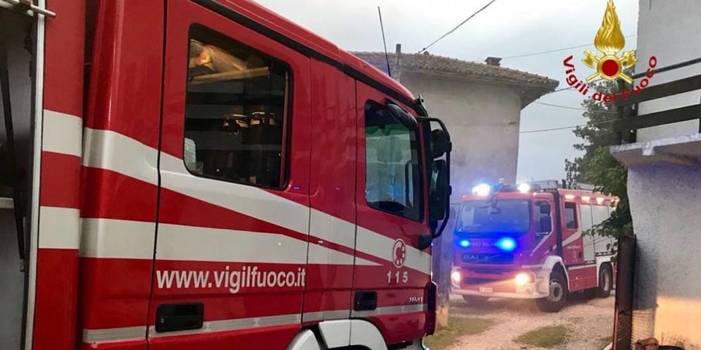 Incendi ad Aviano: fermati e denunciati i due piromani