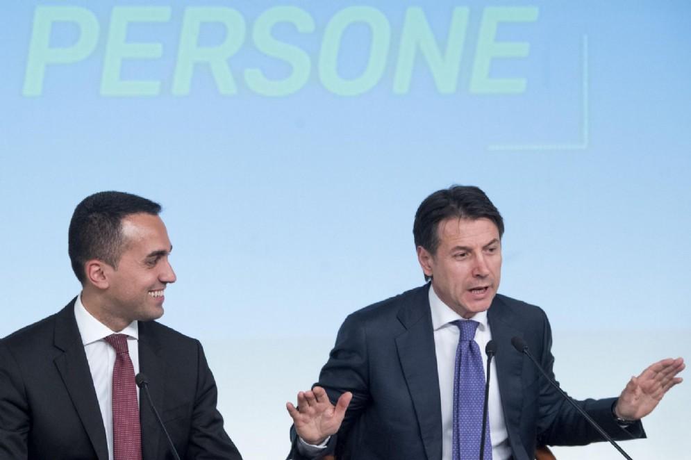 Luigi Di Maio e Giuseppe Conte a Palazzo Chigi presentano il decreto dignità