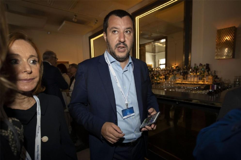 Il ministro dell'Interno Matteo Salvini durante l'assemblea Ania