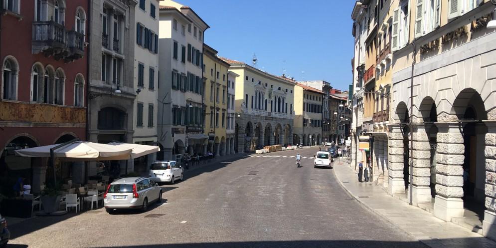 Udine, il centro storico riapre al traffico