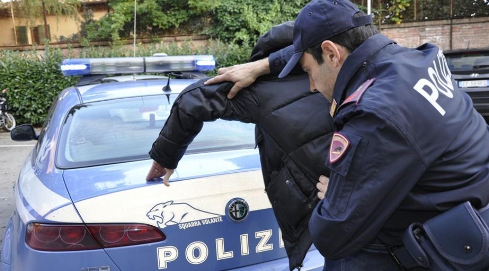 Cocaina a Torino: spacciatore arrestato in via Piossasco