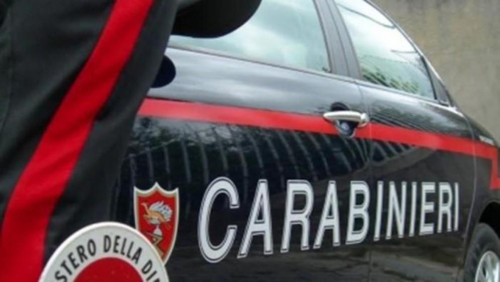 Indagini dei Carabinieri e della Guardia Costiera
