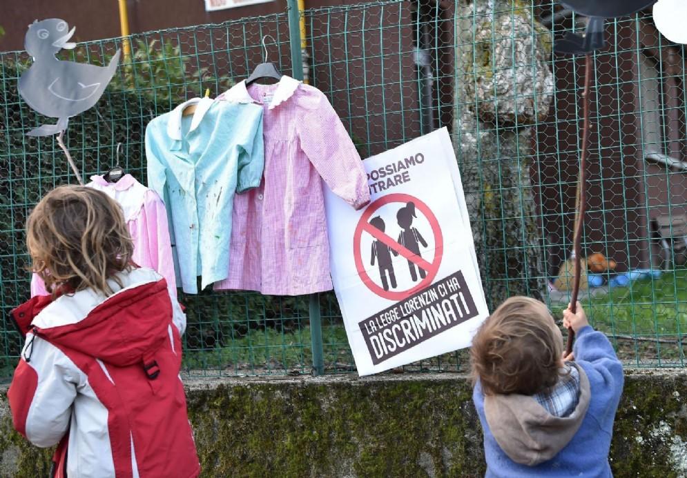 Presidio di protesta contro l'obbligo vaccinale. Torino, 6 Aprile 2018